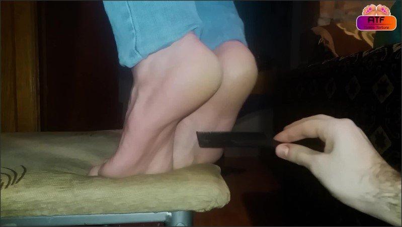 [Full HD] Wife S Tiptoe Tickle - Absolute Tickling Feet - -00:10:38 | Verified Amateurs, Ticklish Feet - 306,6 MB