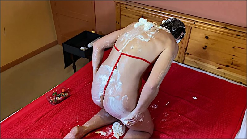 [Full HD] Come Cream With Me Valentine Erotic Strawberries And Cream Messy Sexy  - AliMessyxxx - -00:26:00 | Peeing, Cream - 1 GB