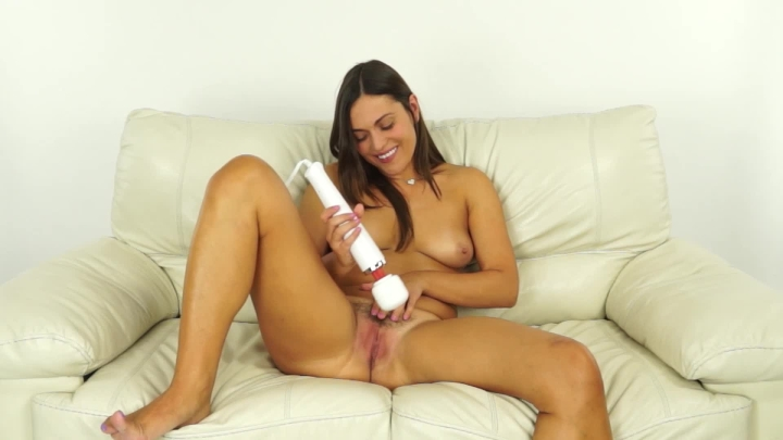 Alyssa Reece Cumming 5 Times With My Hitachi