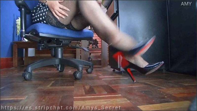 [Full HD] Secretary Strips Naked To Change Into Pantyhose At Work Site  - Amy_Goddes - -00:15:20   Pantyhose, Kink - 238,6 MB