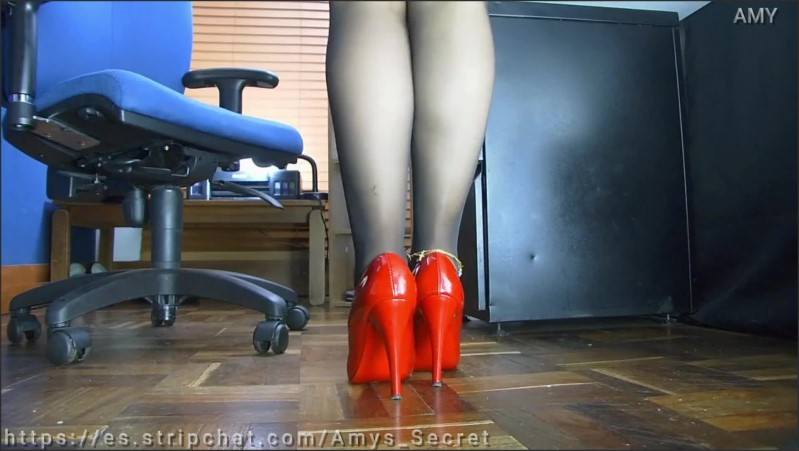[Full HD] Spying On My Secretary Under Her Desk In The Office  - Amy_Goddes - -00:07:37 | Feet, Kink - 95 MB