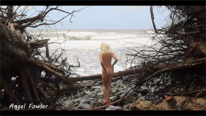 [Full HD] I Found Perfect Place On The Beach For Sexy Strip Dance And Masturbation Betwen Two Fallen Tree  - Angel Dani Fowler - -00:10:05 | Petite, Small Tits - 129,8 MB