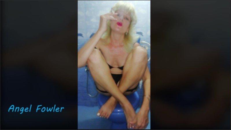 [Full HD] Sexy Slut Smoking On The Toilet  - Angel Dani Fowler - -00:08:04   Public, Female Orgasm, Verified Amateurs - 89,2 MB