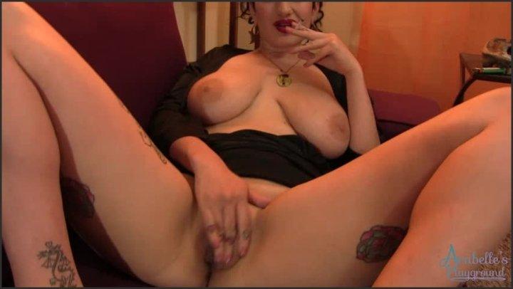 [SD] Arabelle Raphael Smoking While I Rub My Pussy  - Arabelle Raphael - ManyVids - 00:07:40 | Big Boobs, Masturbation, Smoking - 144 MB