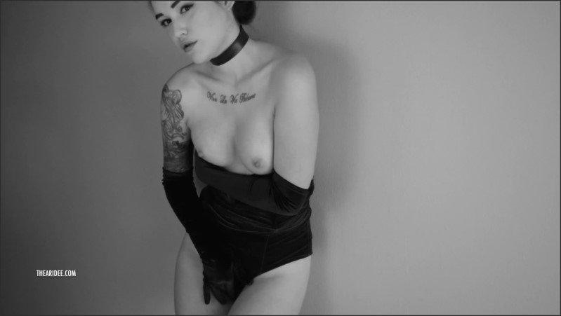 [Full HD] Velvet Crush Hot Brunette Model Gives You A Sexy Tease In Black White - Ari Dee - -00:10:53 | Erotica, Velvet - 342,2 MB