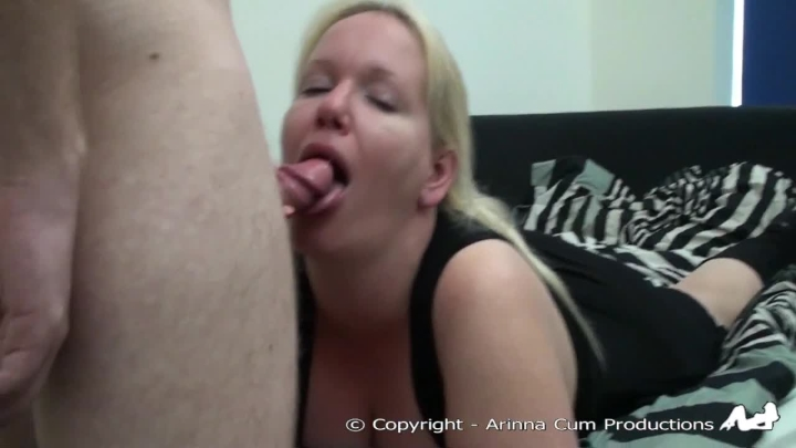Arinna Cum Deepthroat Gagging With Fan Cock