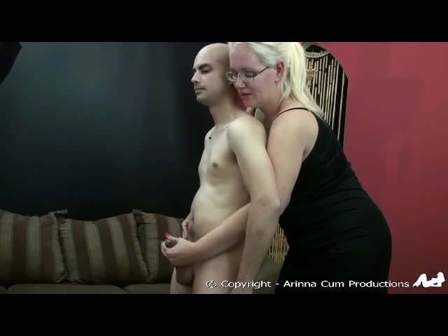 Arinna Cum Stepmom Helps Out