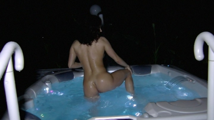Ashley Sinclair Hot Tub Dance And Masturbation