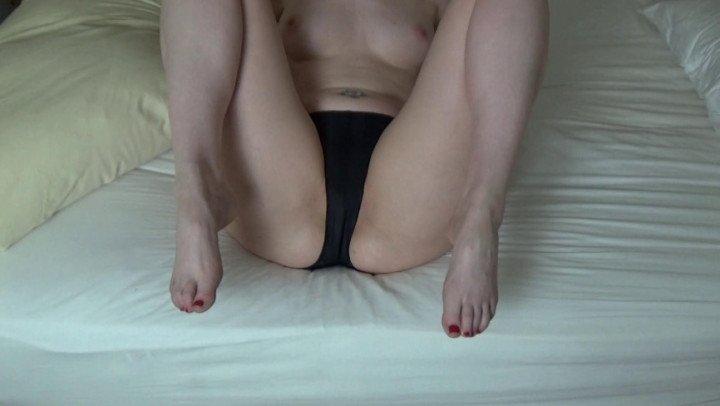 Ass Princess Farting In Tiny Shorts