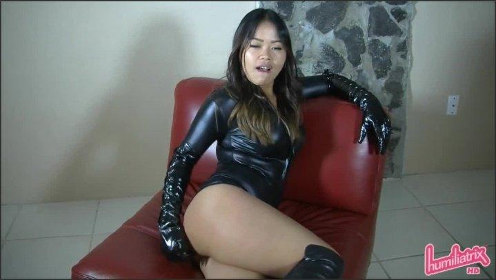 Introducing Dominatrix Sydney Lee And Her Sinister Black Gloves