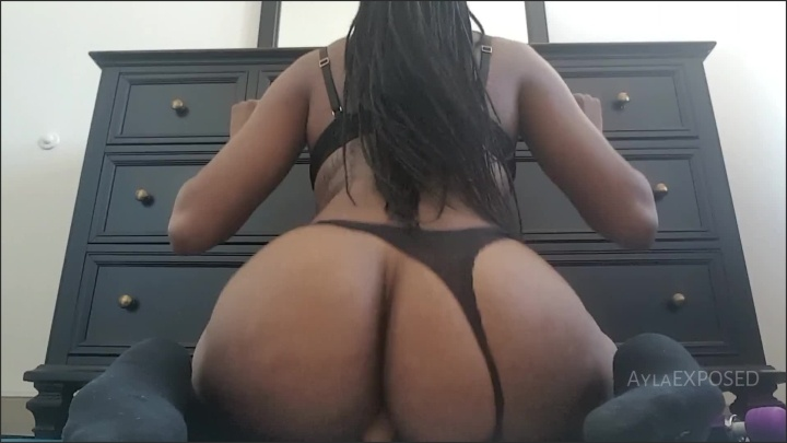 [Full HD] Aylaexposed Ayla Dildo Ride For The Smaller Guys - AylaEXPOSED -  - 00:11:06 | Black, Masturbate - 176,9 MB
