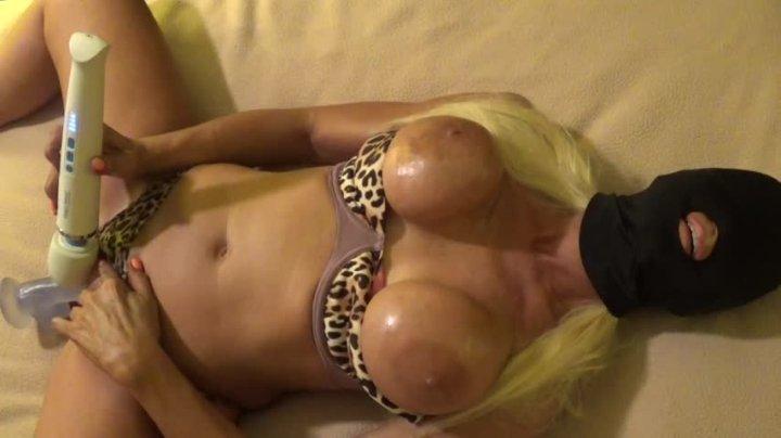 Blonde Banditt Blonde Mom Masked Explosion