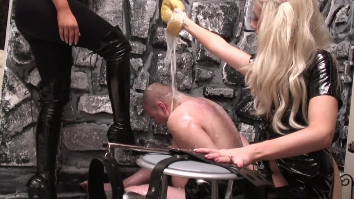 Beefybanger Amy Amp Charlotte Wash Their Dirty Slave