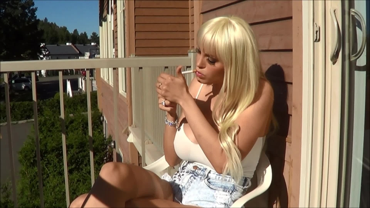 Bella French Smoking Hot In French