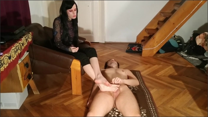 [Full HD] Beth Kinky Foot Play Foot Job Cum On Feet By Slave Pt2 Hd - Beth Kinky - - 00:08:32 | Teen, Goth - 166,7 MB