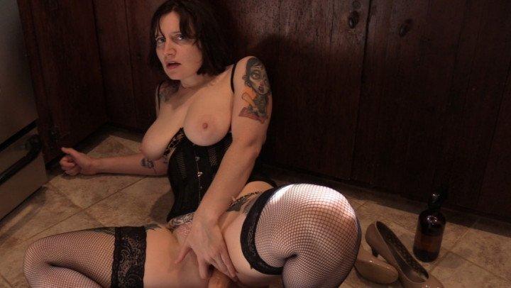 Bettie Bondage Blackmailing Mom Into An Anal Slut
