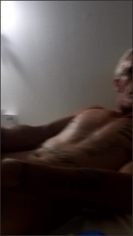 [SD] Daddys Big Dick Cumming For Me  - Bigworm1972 - -00:11:43 | Bigdick, Masturbation - 240,3 MB