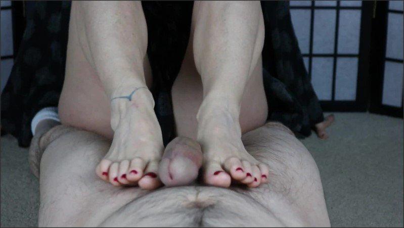[Full HD] Warm My Toes Footjob  - Bittavonsweet - -00:06:03 | Milf Footjob, Pov - 134 MB