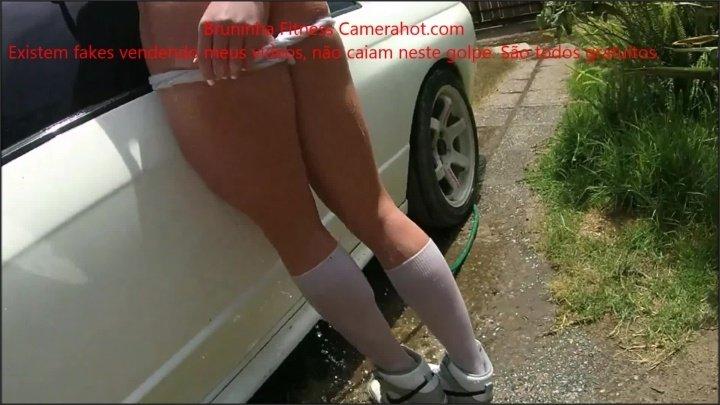 [Full HD] Car Wash With Striptease At Garden Wet Shirt Peladinha Lavando O Carro - BruninhaFitness - - 00:06:17 | Wet Tshirt, Teasing, Public No Panties - 416,4 MB