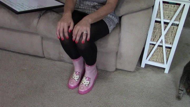 Buddahsplayground Cute Rain Boot Leg Amp Double Leg Crossing