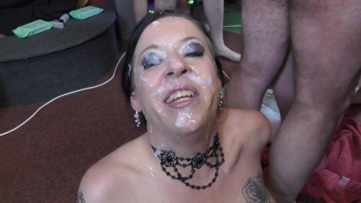 Bukkakecentral Milf Tiffany Morriss Debut Bukkake