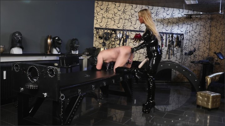 [Full HD] Anal And Strap On Session In Dungeon - CaleaToxic - - 00:14:06 | Slave Training, Kink, Nipple Play - 479,7 MB