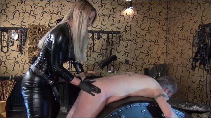 [Full HD] Strap On Training Session - CaleaToxic - - 00:09:38 | Deepthroat, Femdom Pegging - 587,9 MB