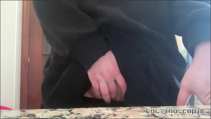 [Full HD] Cuming In My Friends Kitchen Again - Caleidoscopic - - 00:07:02   Caught Masturbating, Amateur, Kitchen - 155,1 MB