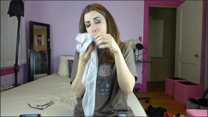 Canadiansammy Sammy Blows Her Nose With White Bandana 2015