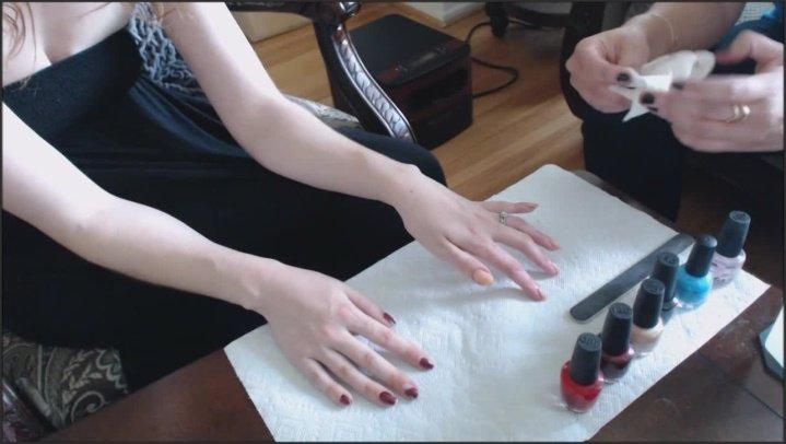 Canadiansammy Sammy Gets Her Nail Polish Removed 2015 07 07