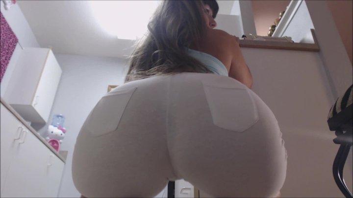 Carmita Bonita Camel Toe Squatting And Asshole Winking