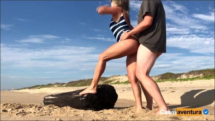 [Full HD] New Real Amateur Public Anal Sex Risky On The Beach - CasalAventura - - 00:10:29 | Real Public Sex, Blonde, Brazilian - 288,2 MB