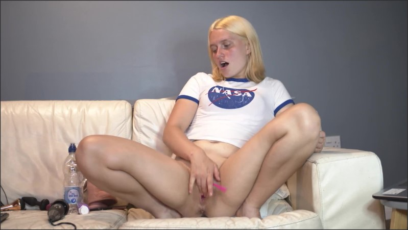 [Full HD] Teen 18 Cums With Her Giant Fucking Dildo Again Casey Jones - Casey Jones - -00:10:12 | Adult Toys, Blonde, Female Orgasm - 169,6 MB