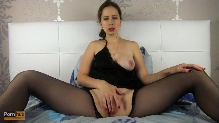[] Sexy Milf Rips Pantyhose And Fucks Herself Catherinerain - CatherineRain - - 00:11:14 | Milf Stockings, Female Orgasm - 203,5 MB