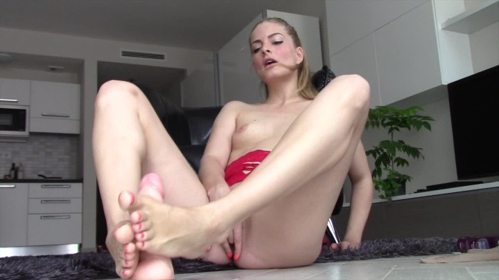 Cayenne Stocking Tease And Footjob