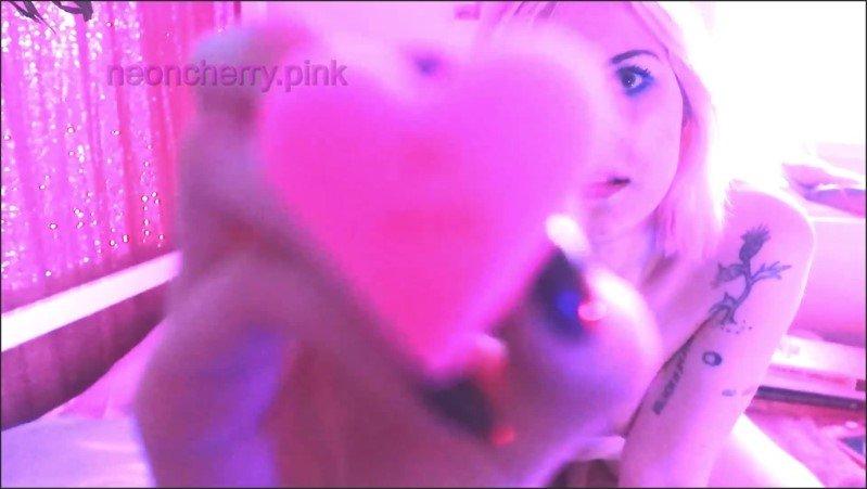 [Full HD] Cute Quarantine Orgasm Video  - Cherry Neon - -00:16:20 | Cute, Dildo, Nerina Cherry - 389,1 MB
