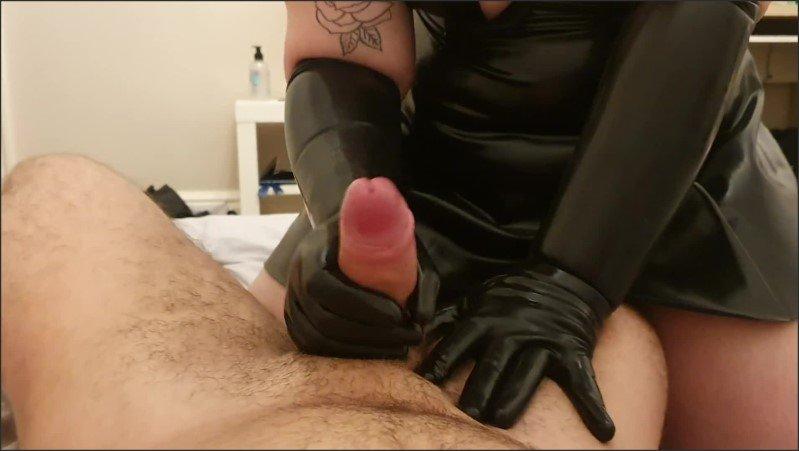 [Full HD] Huge Cumshot From Black Latex Gloves Bbw Handjob - ChrisAndJade - -00:07:12   Fetish, British Amateur - 174,4 MB