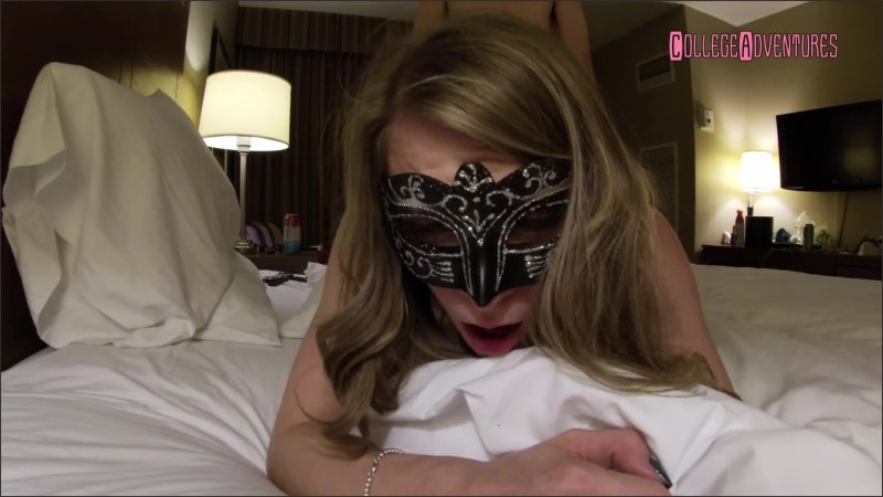 [WQHD] Masked Teen Begs For Cum In A Hotel Room  - CollegeAdventures - -00:08:59 | Raw, Stepsister - 289,5 MB