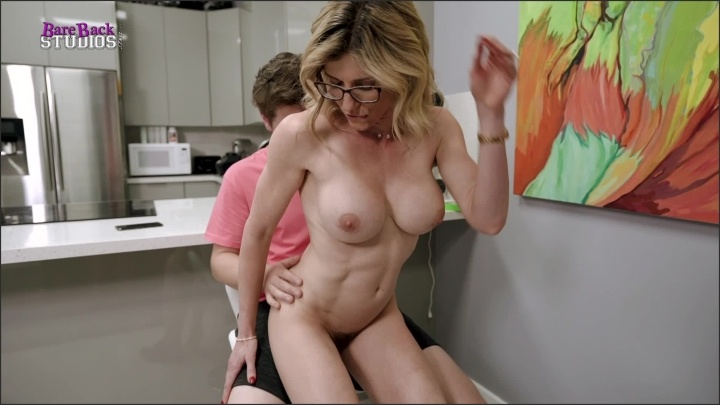 [Full HD] Corychasexxx Stepmom Dares You Not To Get Hard - CoryChasexxx - ManyVids - 00:12:38 | Size - 742,9 MB
