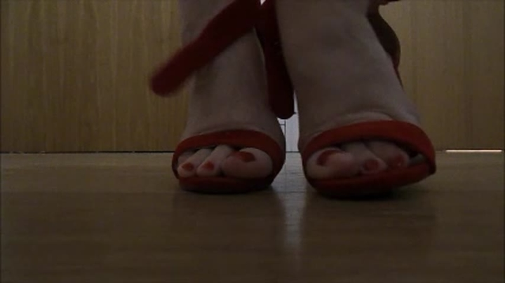 Courtesan Anna Foot Play Bare Feet And Red Heels