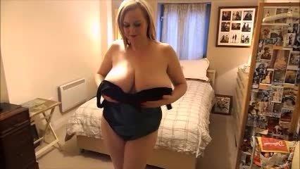Courtesan Anna Sexy Swimsuit Striptease