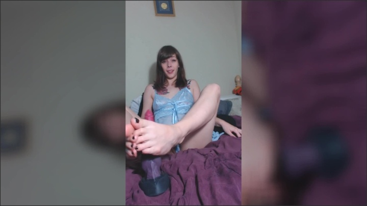 [Full HD] Damnedestcreature Soles And Company - DamnedestCreature - ManyVids - 00:16:20 | Size - 473,7 MB