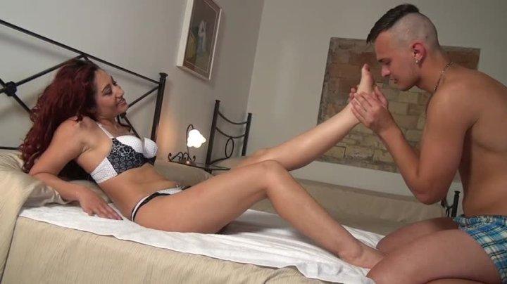 Dana Santo Girls Foot Jobs To A Young Boy