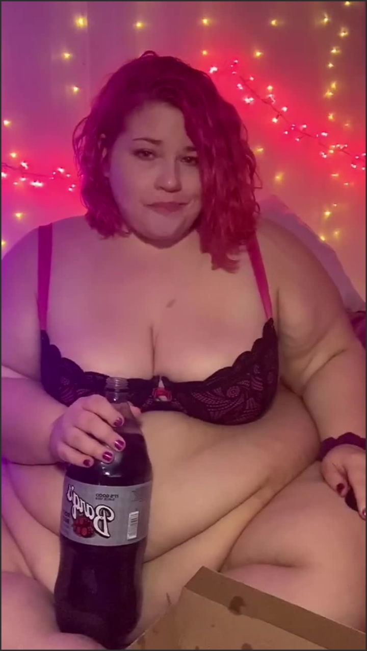 [SD] Ssbbw Eating Domino S While Playing With Belly - Delicious Delilah - - 00:13:06 | Goddess, Solo Female - 197,1 MB