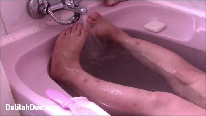 Delilah Dee Water Between My Toes