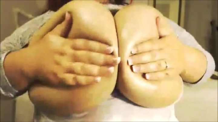 Destinydiaz H Cup And Oiled Up