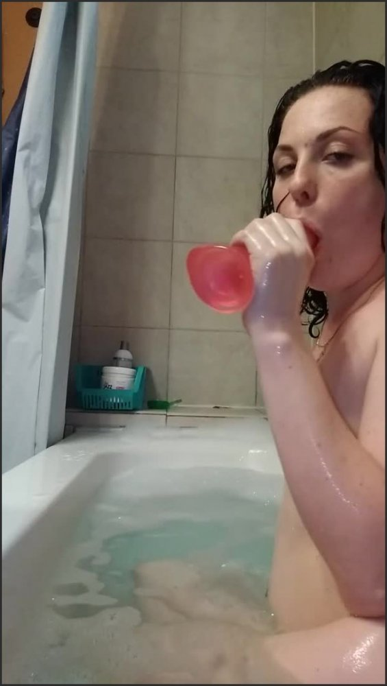 [SD] Bathtub Pawg Pink Dildo  - Dior Angel - -00:13:13 | Pink Puffy Pussy, Round Ass, Pink Dildo - 135,2 MB