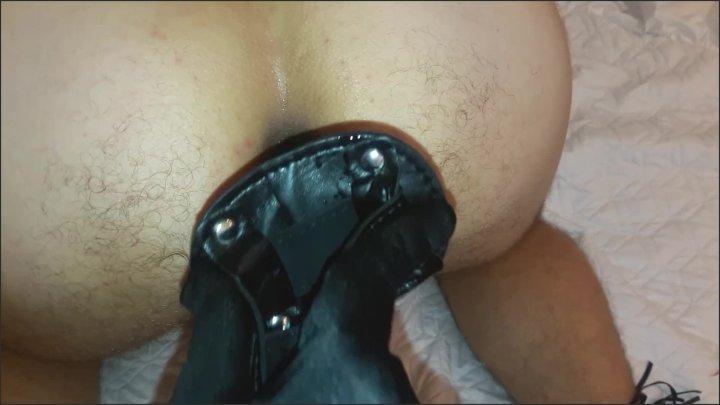 [Full HD] Dirty Lady Latex Mistress Fucks Slave With Strapon Amateur Femdom Dominatrix - Dirty Lady -  - 00:10:36 | Amateur, Mistress Strapon, Mistress Feet - 176,4 MB