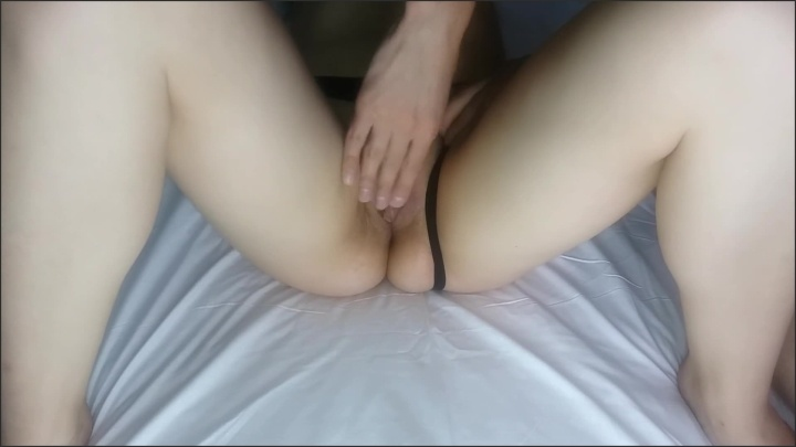 [Full HD] I Finger My Wife Until She Cums Delicious Moaning Whe She Does - DirtyFamily - - 00:07:38 | Man Fingering Girl, Female Orgasm - 76,8 MB