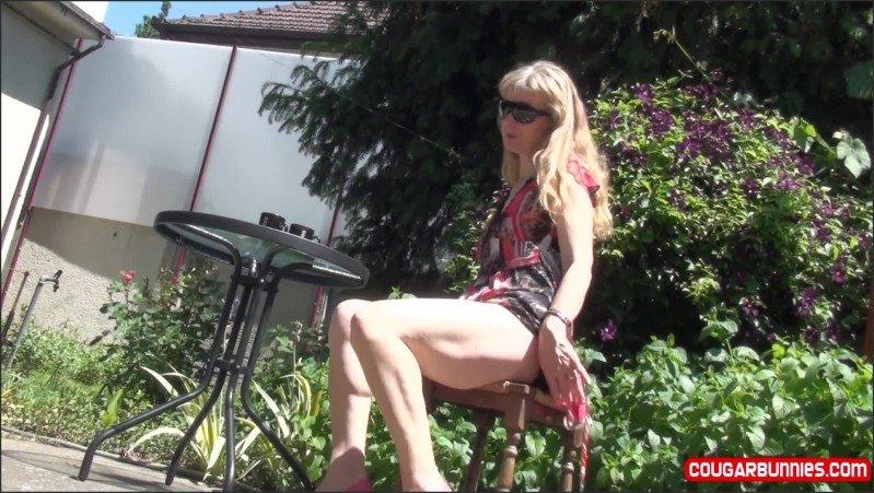 [Full HD] Coffee Upskirts I Drink My Coffee And Then I Strip Naked Masturbating Some - Doris Dawn - -00:10:58 | Masturbate, Upskirt - 616,1 MB